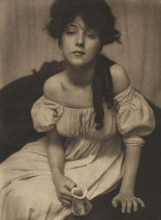 Evelyn Nesbit by Gertrude Käsebier, 1902