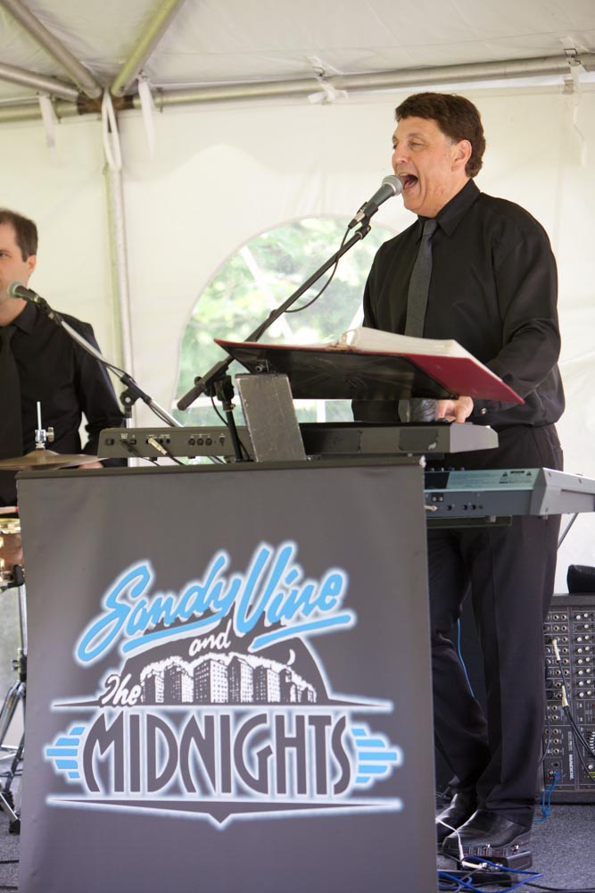 music by Sandy Vine and the Midnights, Niagara weddings