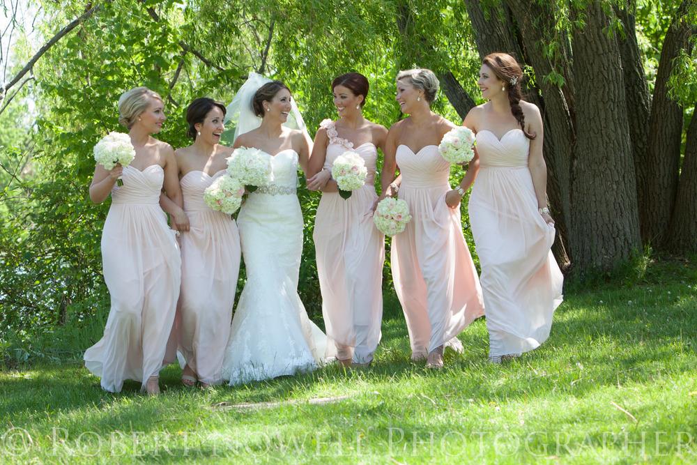 Bride and bridesmaids, Niagara wedding photography