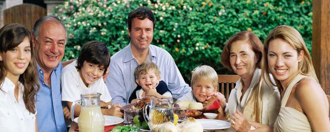 multigenerationalfamily-trinitycustomhomes-interpacket.jpg