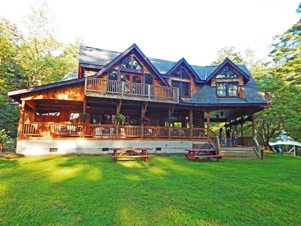 Treska's Porch ,Photograph courtesy of Jana Amsellem