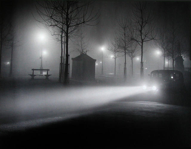 Fog and car lights, Avenue de l'Observatoire, c. 1934