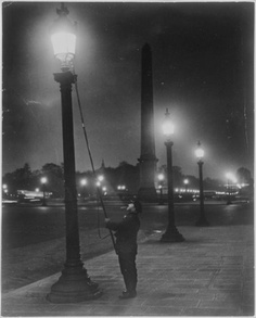 The lamplighter, Place de la Concorde, c. 1933