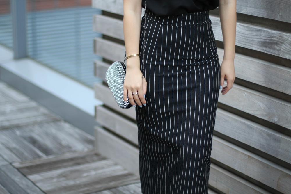 feminine pencil skirt.JPG