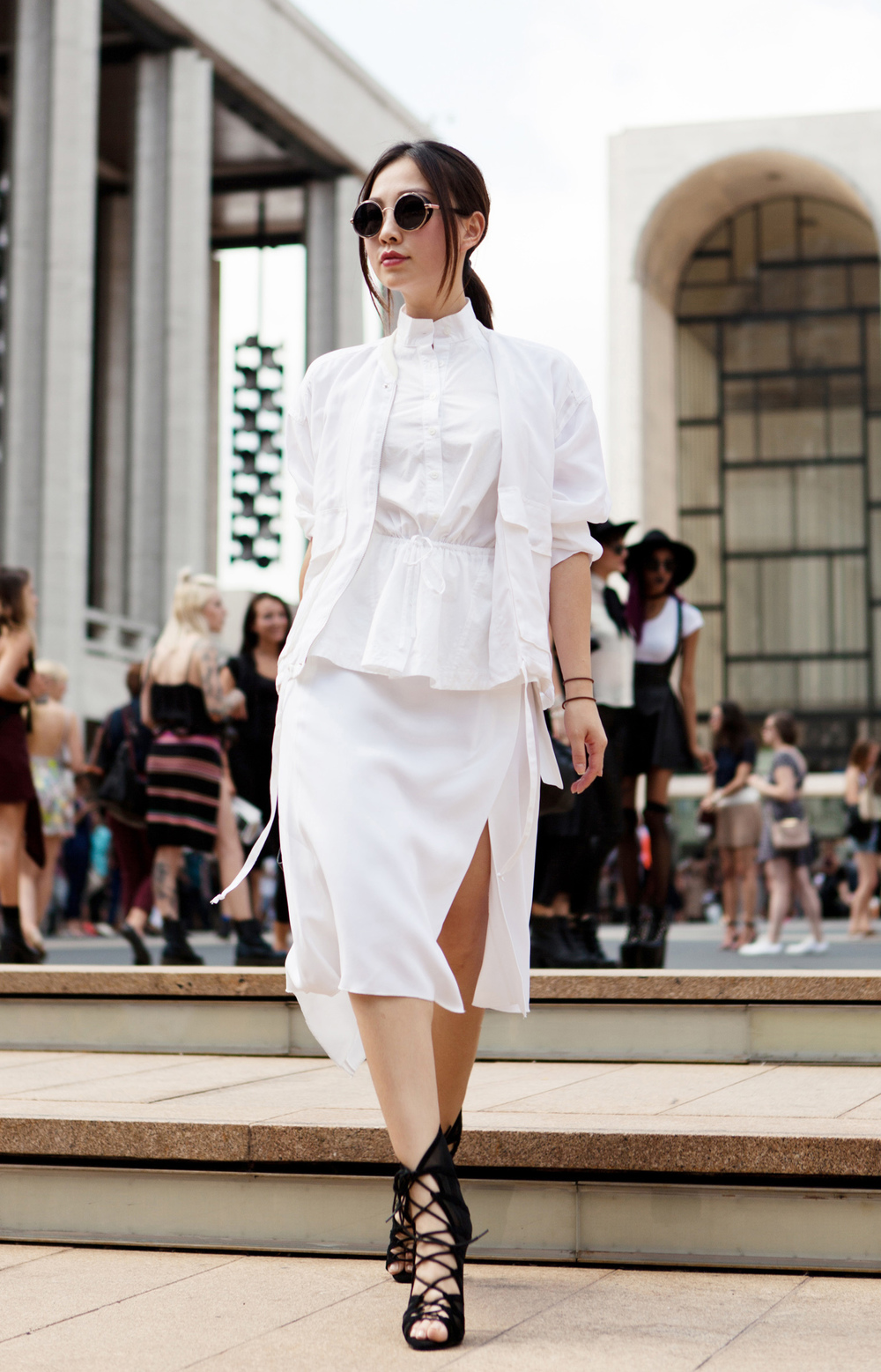 NYFW street style black and white look.jpg