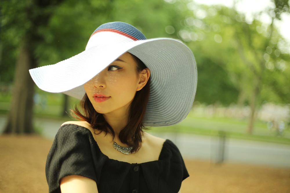 summer floppy hat style.jpg