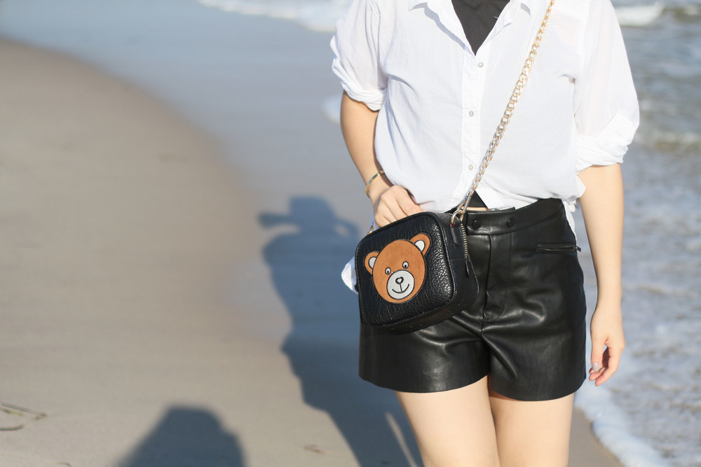 black and white beach outfit 7.jpg