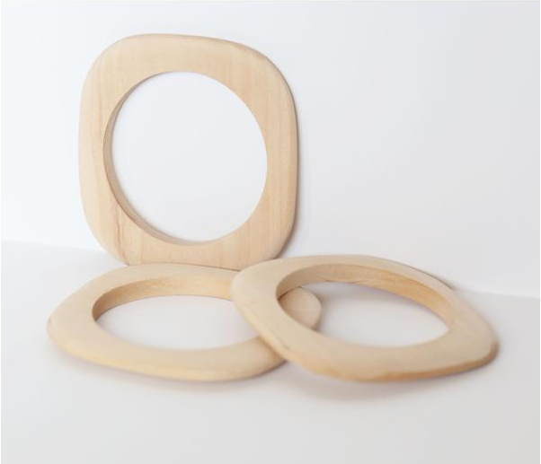 retro mas wood bangles.png