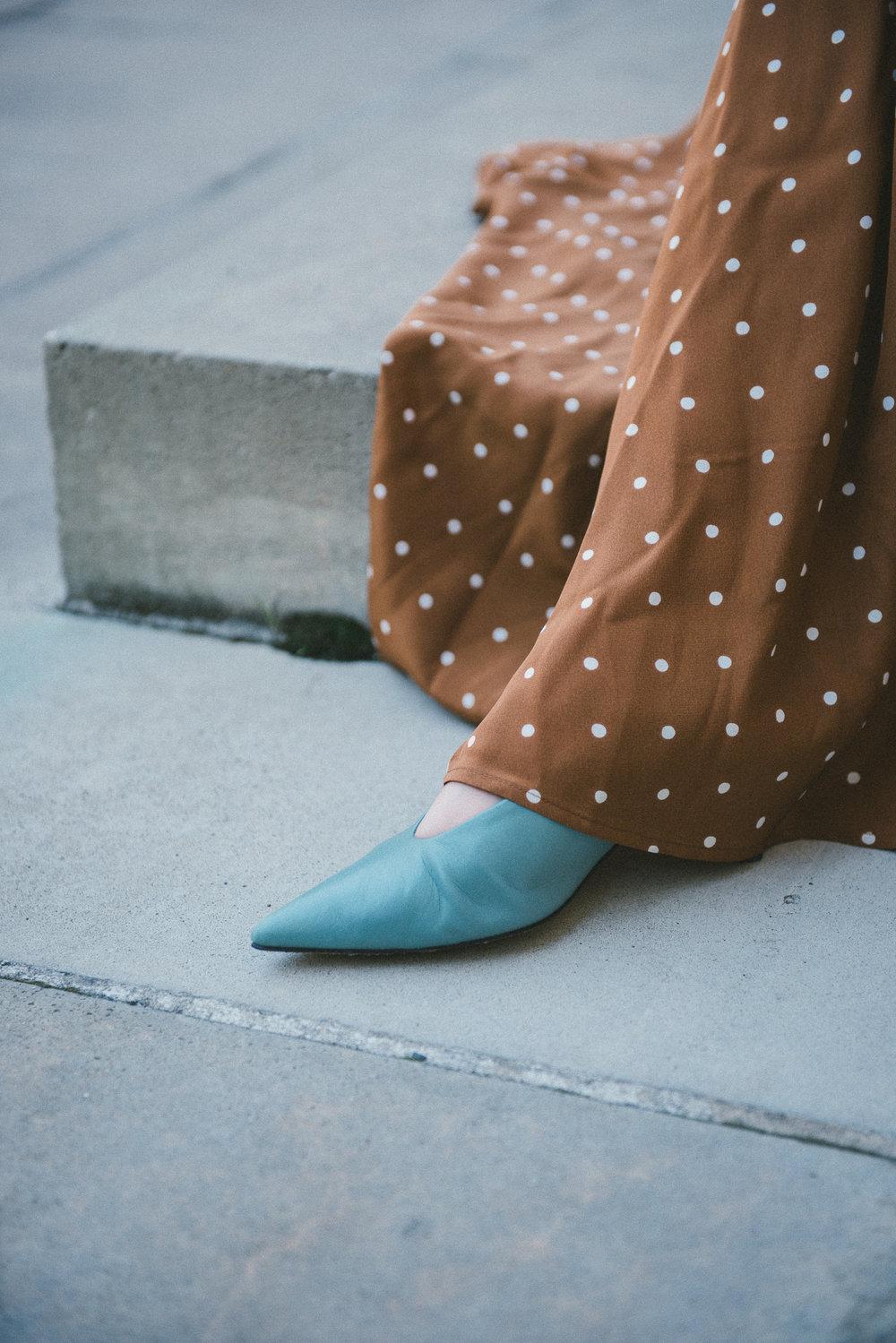 zara pointy heels.jpg