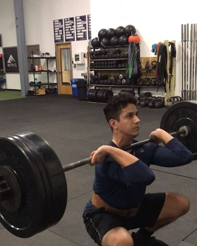 High School Performance Front Squats on deck  225lb @seamus_duffy1  185 @julianzambrano6  105 @rachelstump  #manalapannj #monroe #freehold #eastwindsornj #hightstownnj #millstonenj #motiveslife
