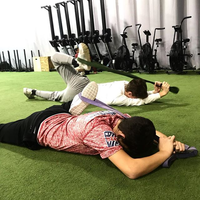 Stretching post workout sibling bonding @ray.vender @adamvender_  #manalapannj #monroe #freehold #eastwindsornj #hightstownnj #millstonenj #motiveslife