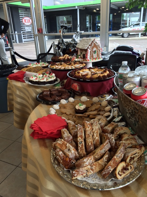 Holiday2014MetroDessertDisplay.JPG