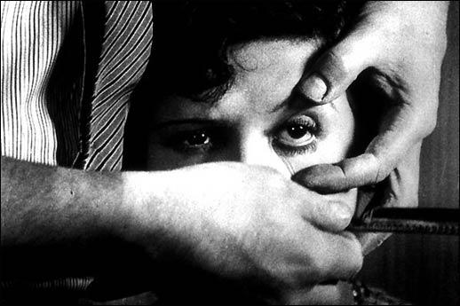 15. Un Chien Andalou (1929)