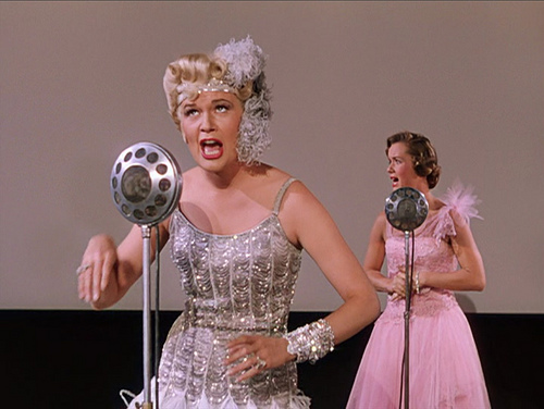 (From left) Jean Hagen, Debbie Reynolds