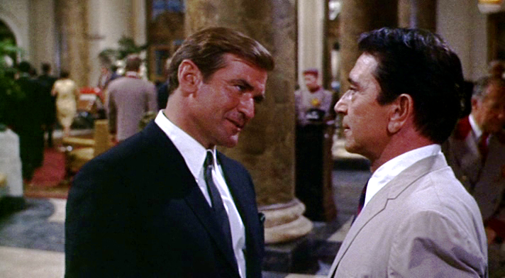 (From left) Rod Taylor, Richard Conte