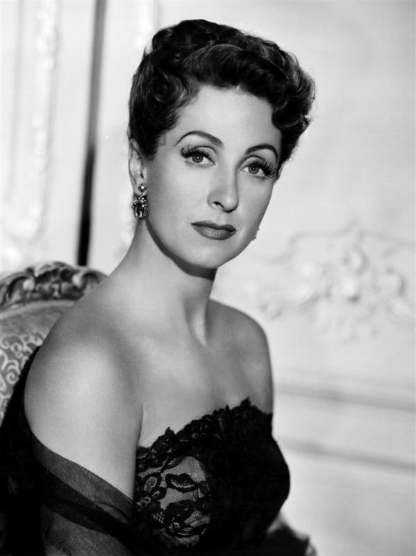 Danielle_Darrieux_Five_Fingers_2_-_small.jpg