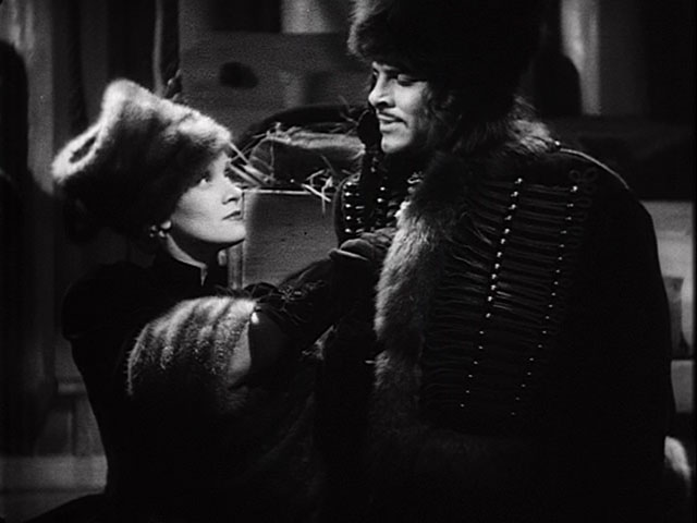 Marlene Dietrich, John Lodge