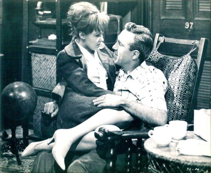 Barbara Harris and Jason Robards in A THOUSAND CLOWNS