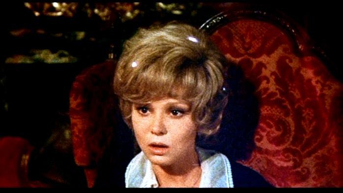 Barbara Harris in FAMILY PLOT