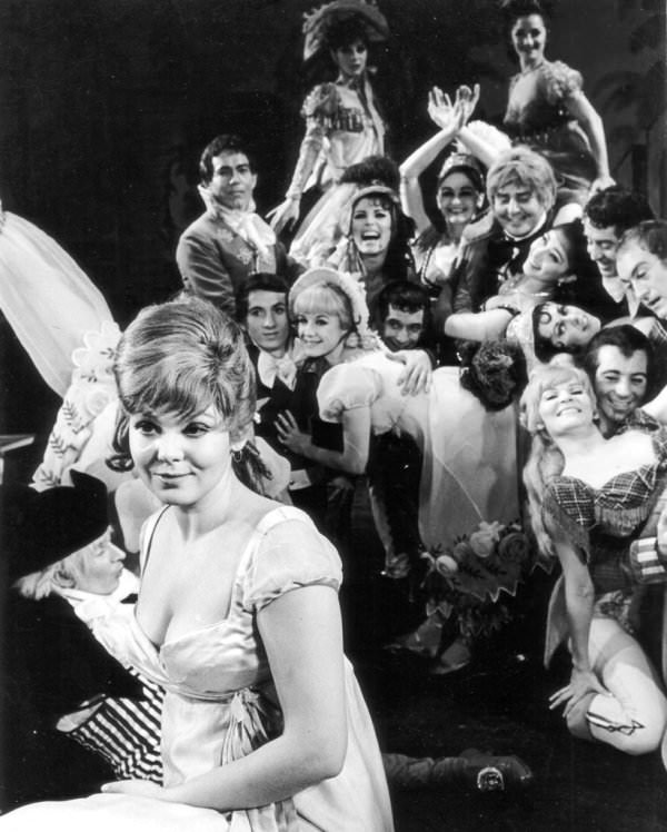 """Barbara Harris and the cast of """"On a Clear Day You Can See Forever"""""""