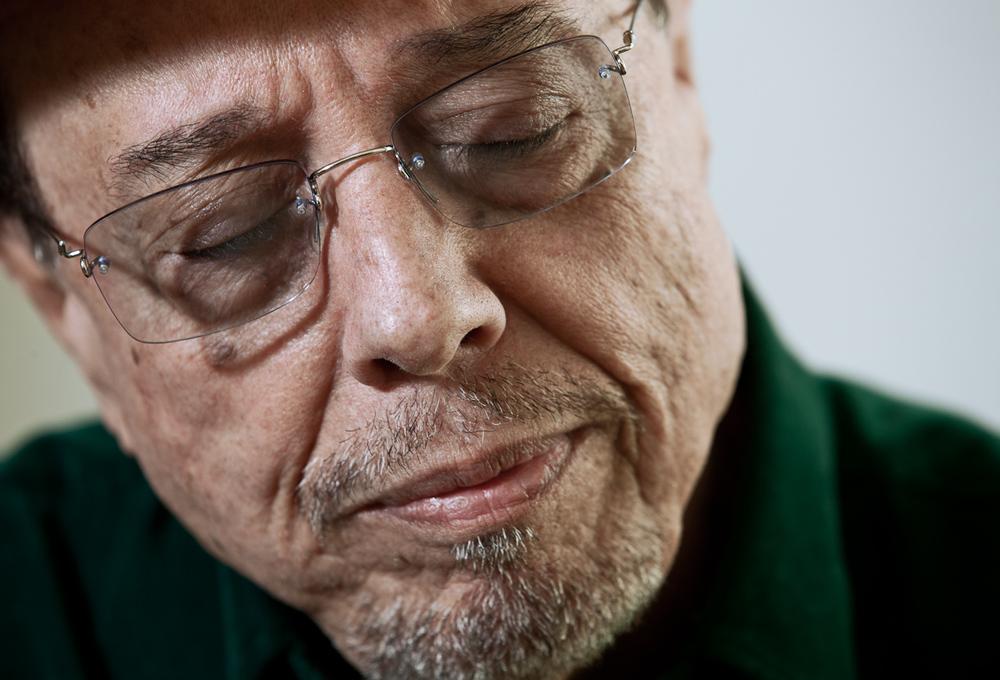 "Sergio Mendes listens to Jobim - ""Luiza""                 2/2"