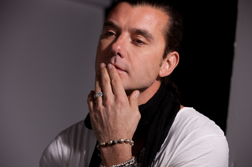 "Gavin Rossdale listens to Jay-Z - ""99 Problems""                                 2/2"