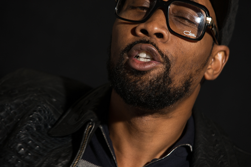 "RZA listens to ""C.R.E.A.M."" (""Cash Rules Everything Around Me"")             2/2"