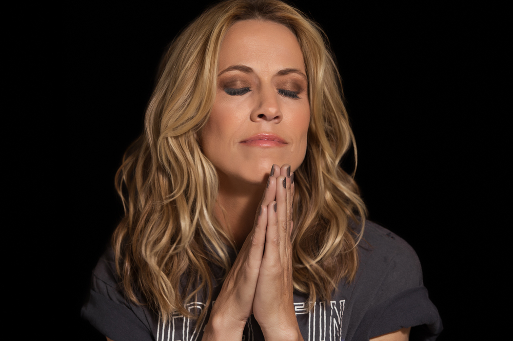 "Sheryl Crow listens to   Stevie Nicks - ""Landslide""   2/2"