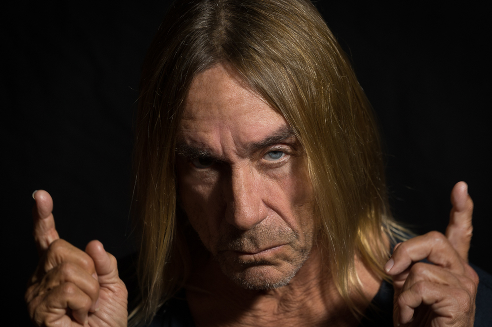 "Iggy Pop  listens to  Link Wray  "" Rumble "" I want you   1/2"