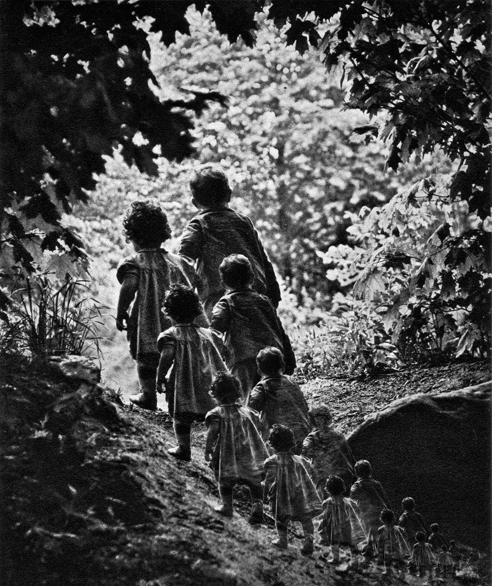 Smith, W. Eugene (The Walk To Paradise Garden 1946)