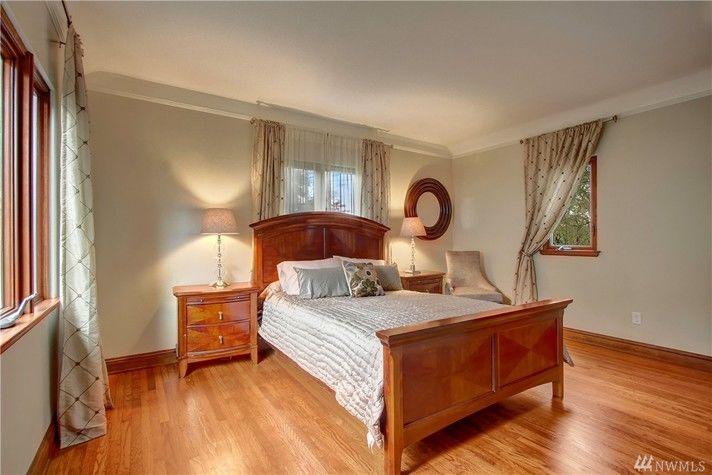 Bed1.jpg