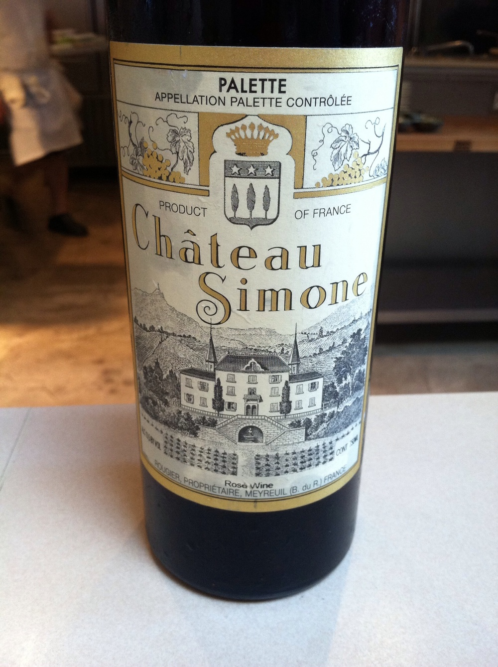 Chateaus Simone, Palette Rose.  Photo by Shana Sokol, Shana Speaks WIne.