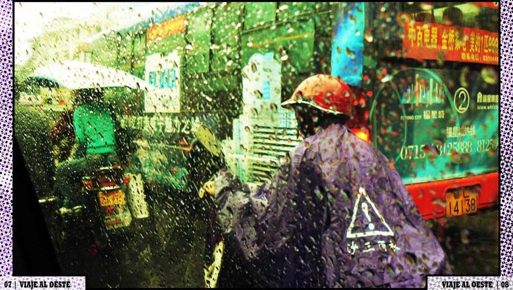 004 moto rain bus taxi.jpg