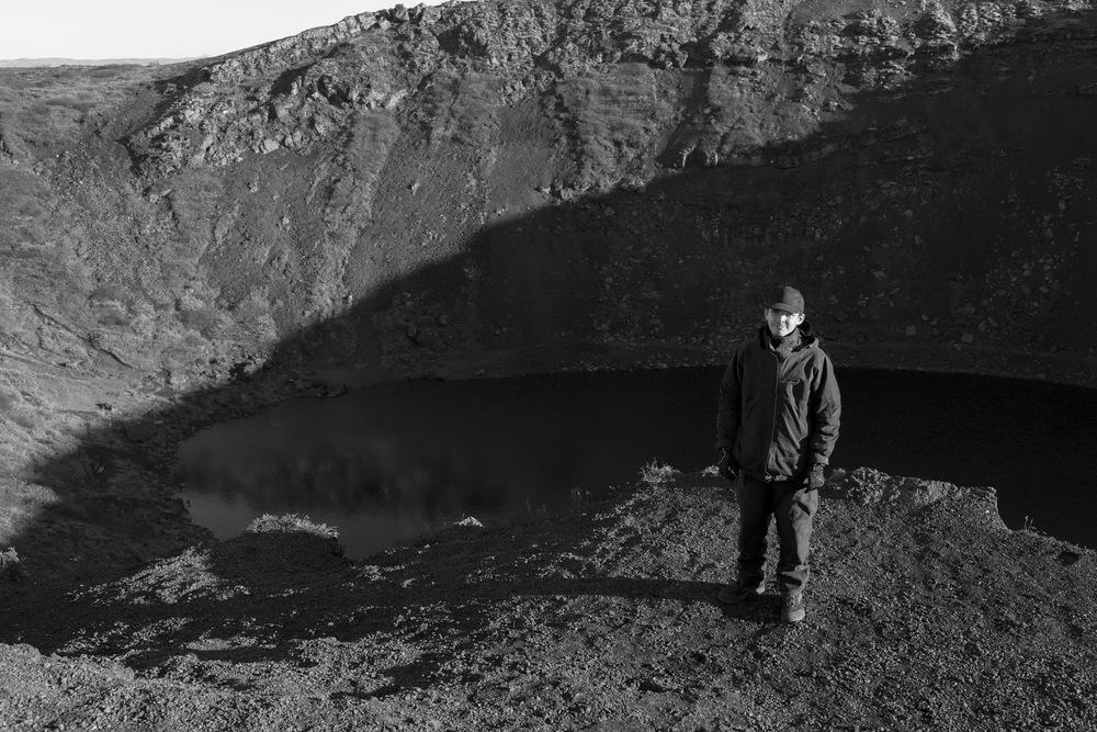 Rasmus Bukholt ved den inaktive vulkanKerið - Island.