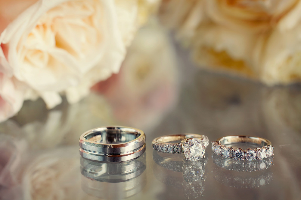 LeannePedersenPhotographers-Wedluxe-SarahCarson003.jpg