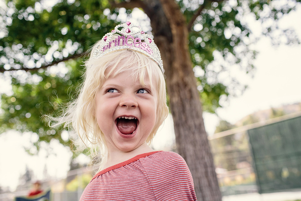 LeannePedersenPhotographers-VancouverPortraitPhotographer-okanagan-birthday001.jpg