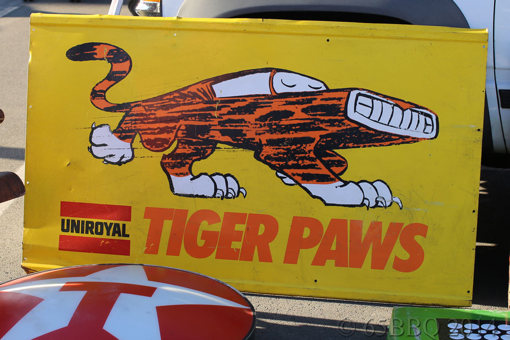 Vintage-Tiger-Paws-Tin-Sign.jpg