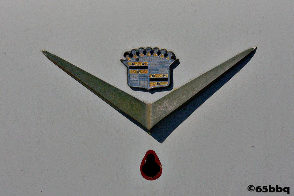Caddillac Emblem 65bbq