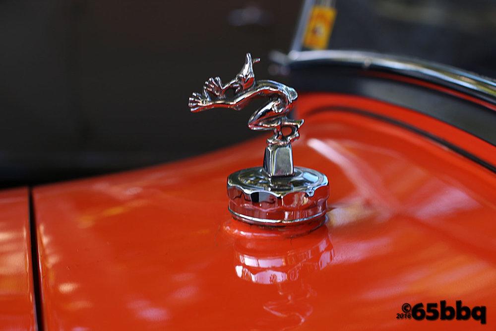 the-la-roadster-car-show-2017-65bbq-hood-17.jpg