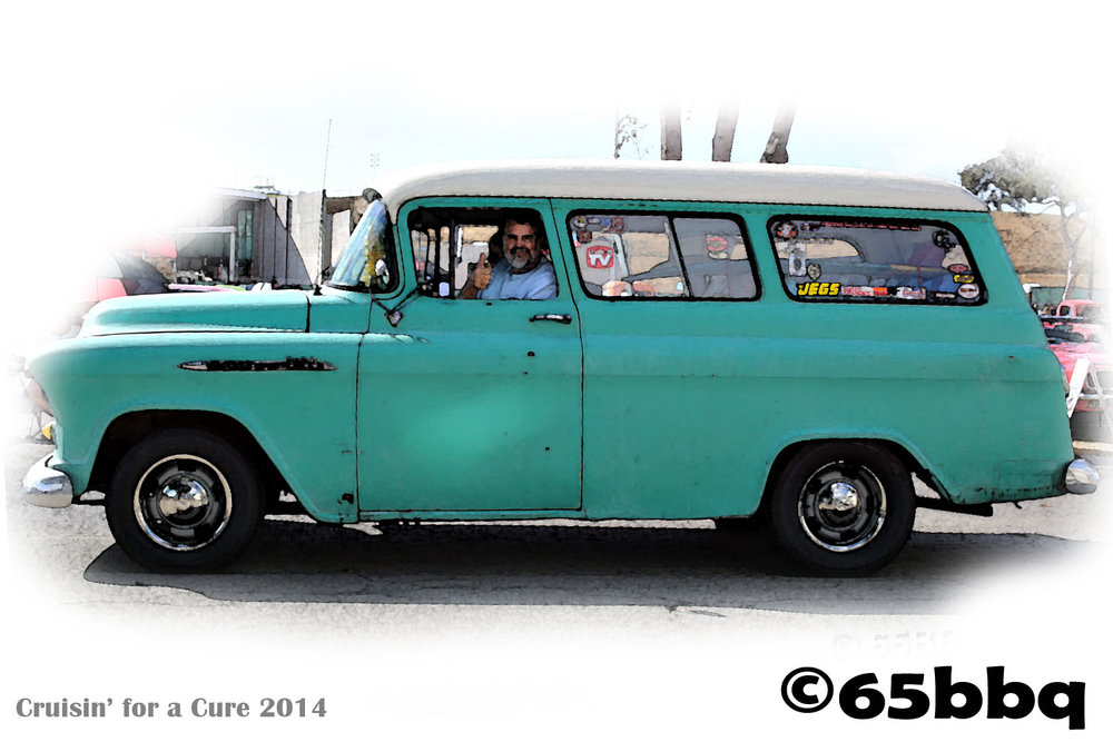 cruisin-for-a-cure-2014-the-ranchero-and-the-blue-q-thumbs-up.jpg