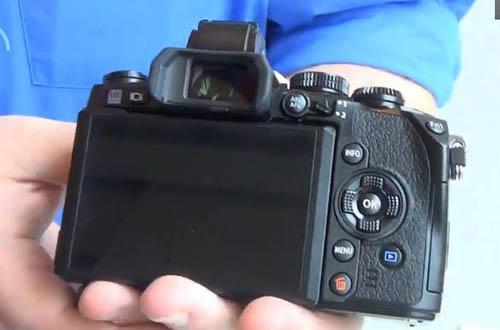 Olympus-OM-D-E-M1-camera-2.jpg
