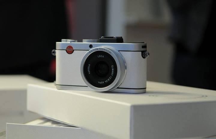 Leica-X2-Paper-Skin-Fedrigoni-limited-edition-2.jpg