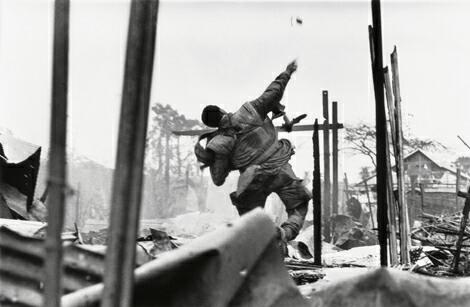 Don McCullin: US marine, Hue, Vietnam, 1968
