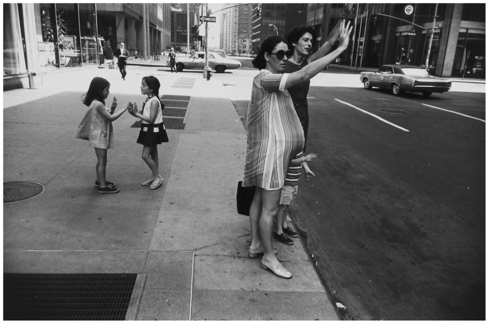 garry-winogrand-new-york-city-new-york-1969.jpg