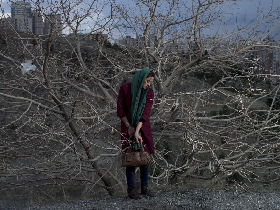 A portrait of Somayyeh, a 32-year old divorced teacher © Newsha Tavakolian for the Carmignac Foundation