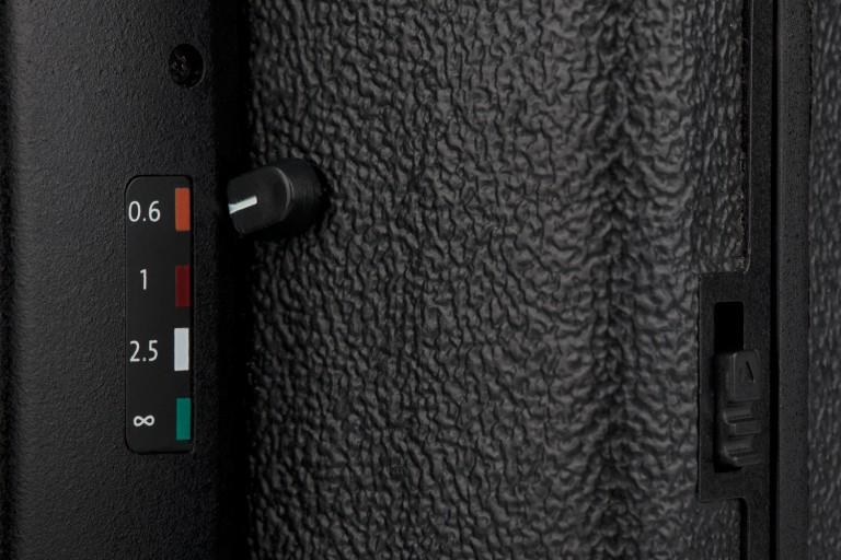 lc-a120_focus-lever-detail.jpg