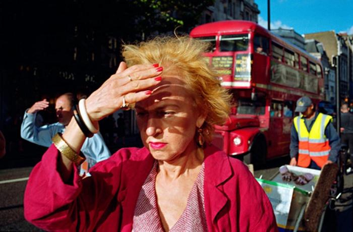 Oxford Street, 2006, by Matt Stuart. Observer