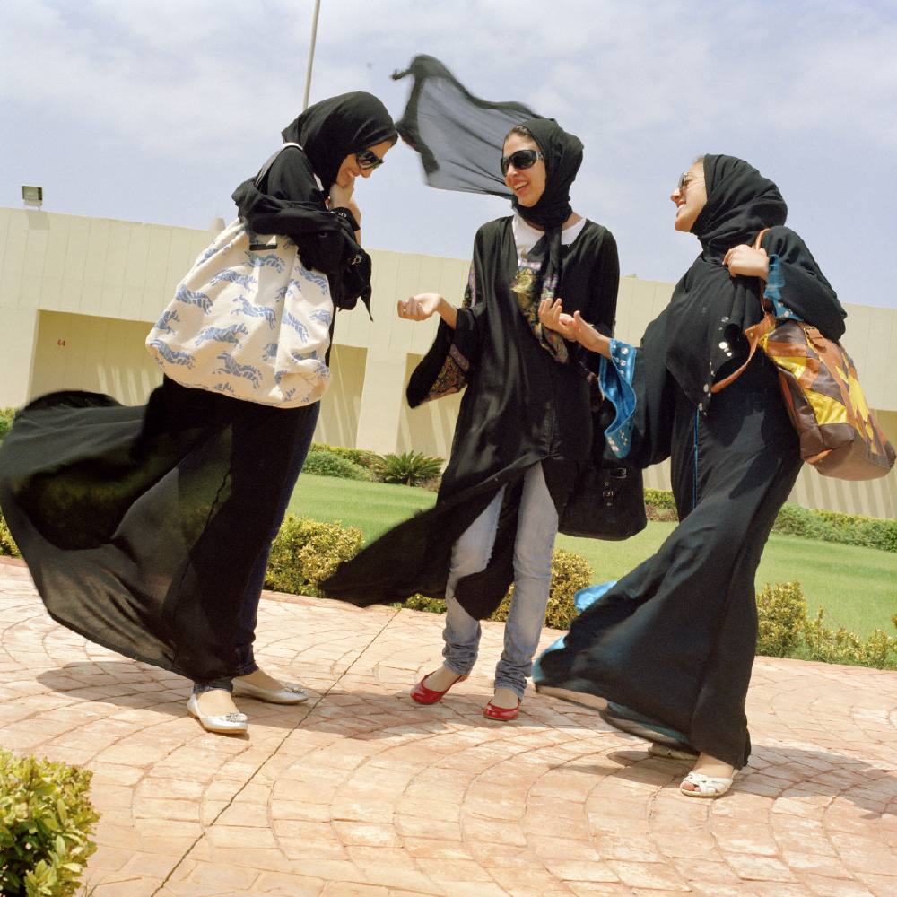 03_Olivia-Arthur-SAUDI-ARABIA.-Jeddah.-Students-at-Effat-Womens-University.-2009.jpg