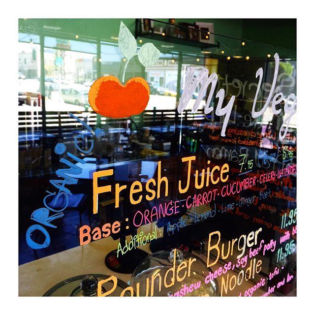 Our fresh juice is organic now 👍🏻👍🏻👍🏻👍🏻👍🏻 #myvegangold #vegan #juice #veganfood #whatveganseat #plantbased #silverlake #la #veganforever #vegetarian #veganism #organic #glutenfree #detox #eat #eatclean #healthy