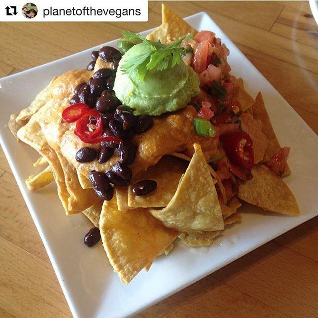 😍 Cashew Cheese 😍 #myvegangold #vegan #govegan #veganforever #veganfoodshare #whatveganseat #veganism #cashews #cashewcheese #cheese #nacho #plantbased #avocado .... @planetofthevegans with @repostapp ・・・ These sexy mothafuckers had me at Cashew Cheese😍 #schoolisbackinsession📚✏
